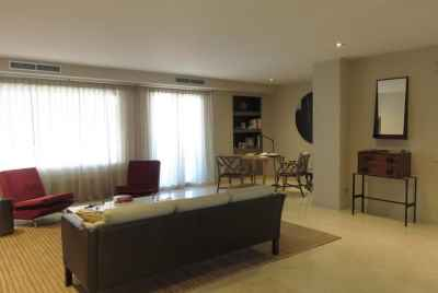 Spacious apartment with terrace and stunning views in Sant Gervasi area